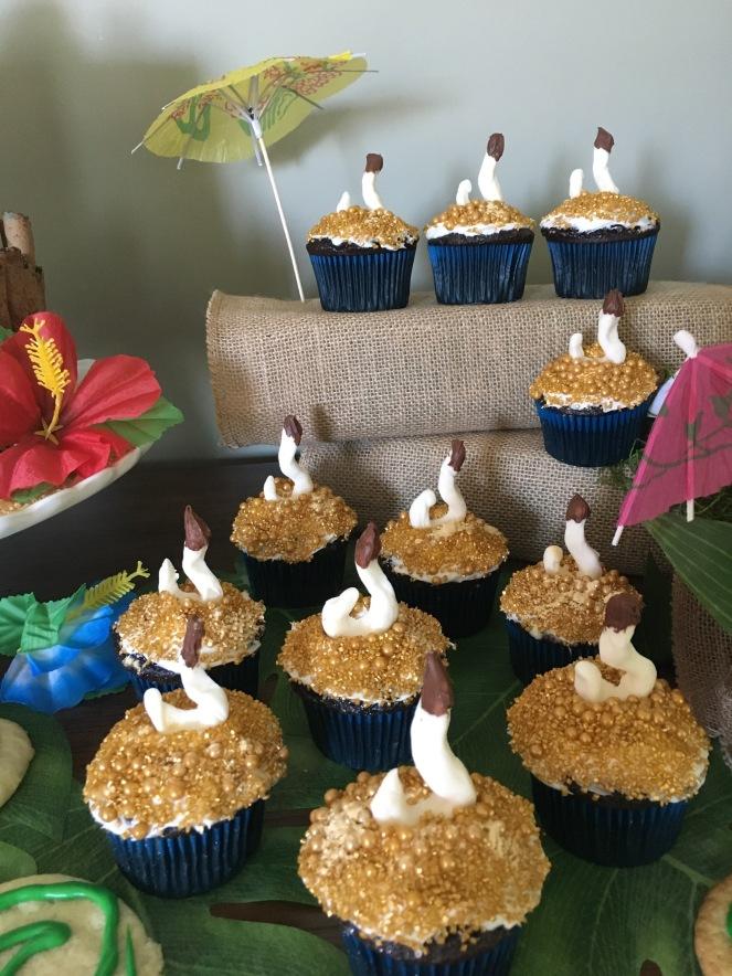 """Tamatoa """"Shiny"""" Cupcakes - Moana birthday inspiration"""
