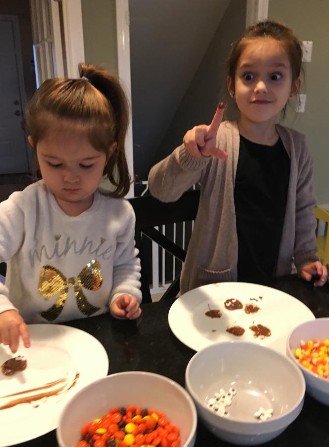 Pretzel turkeys - Thanksgiving treats